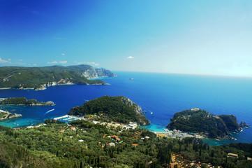 Foto op Plexiglas Caraïben Widok na zatokę na greckiej wyspie Korfu