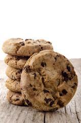 hausgemachte Schokoladen Kekse auf einem Holz-Brett