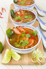 Tom Yum Goong - Thai hot and sour soup with prawns & mushrooms