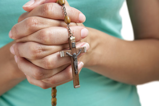 paying the rosary