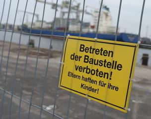 Betreten der Baustelle am Hafen verboten