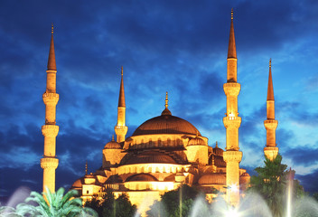 Blue Mosque at night in Istanbul - Turkey