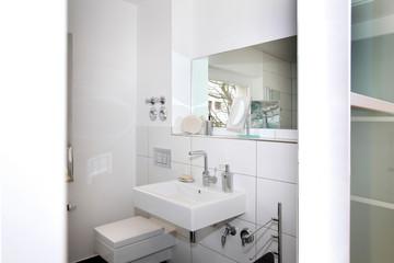 Schickes Badezimmer nach Modernisierung