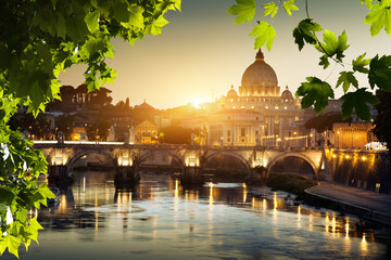 view on Tiber and St Peter Basilica in Vatican Fototapete