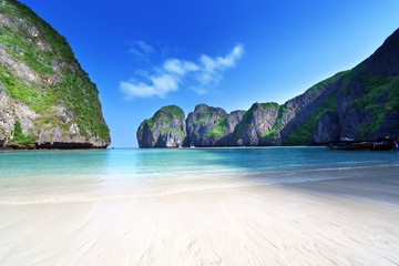 Wall Mural - morning time at  Maya bay, Phi Phi Leh island,Thailand
