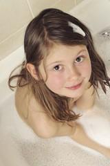 Das Mädchen in der Badewanne