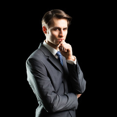 skeptischer Geschäftsmann