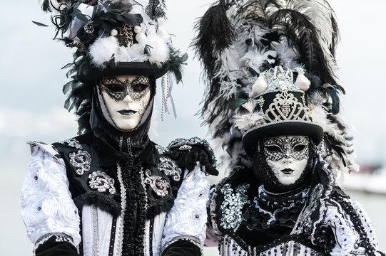 couple carnaval vénitien
