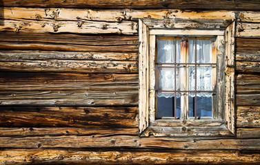vecchia finestra in legno di larice