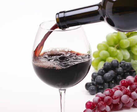 Pour the wine into a glass