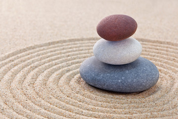Papiers peints Zen pierres a sable Three pebble stack zen garden