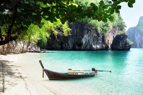 на лодке с краби по островам