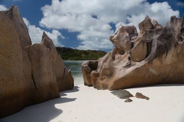 Plage de l'île Curieuse aux Seychelles