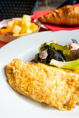 omelet with ham