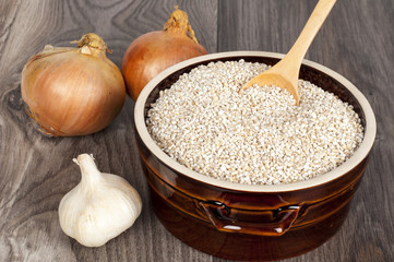 cereal with garlic and onion