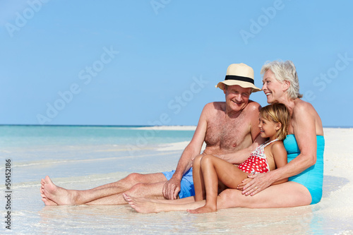 голые дед и внучка фото