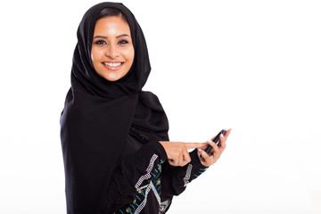 middle eastern woman with smart phone