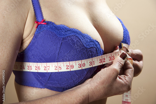 how to find bra size with tape measure