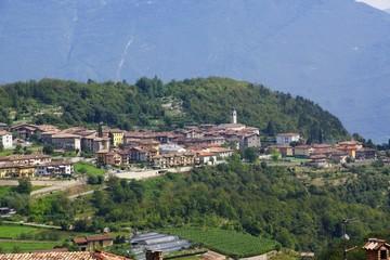 Dörfer und Städte am Gardasee in Italien