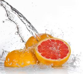 Poster de jardin Eclaboussures d eau Grapefruit with splashing water