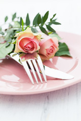 Gedeck mit Rosen