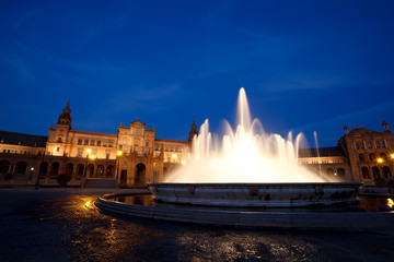 Wall Mural - fountain by Plaza de Espana at night