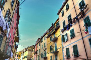 case colorate a riomaggiore cinque terre, italia (hdr image)