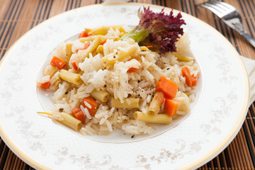 lean boiled rice with vegetable mix