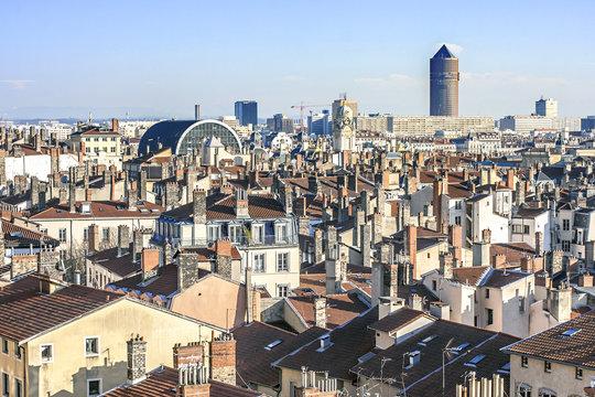 vue des toits de Lyon de la croix rousse