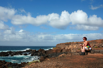 Touristin am Punta de Teno