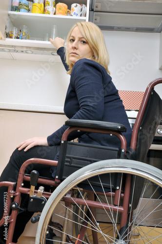 Frau im rollstuhl kennenlernen