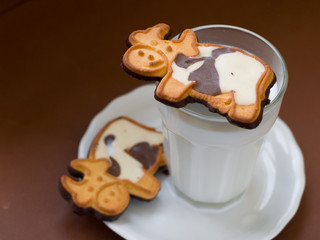 milk with cookie