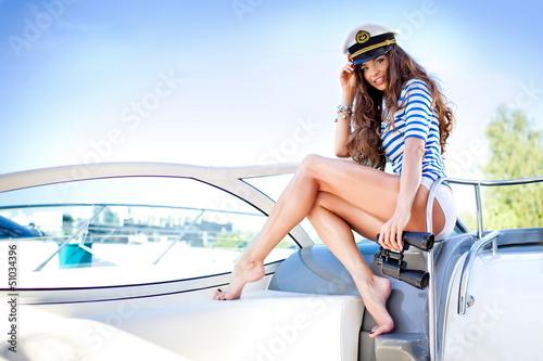 фото красивых девушек с яхтами #9