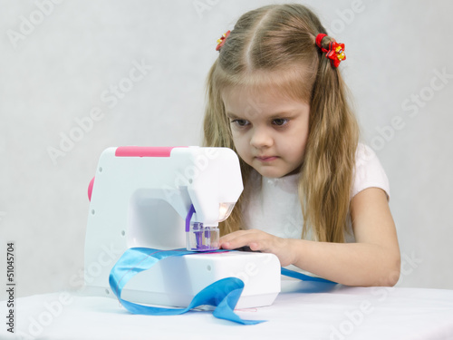 Бесплатные игры для девочек швея шить платья и одежду играть