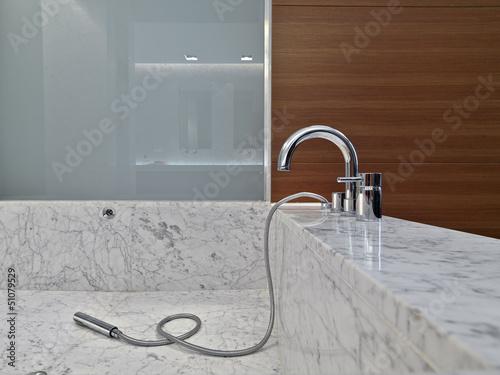 Vasca Da Bagno Moderne : Lavandino vasca da bagno e doccia in bagno moderno foto