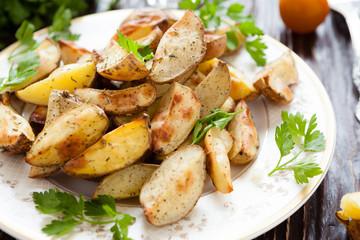 crispy roasted potato wedges with skin