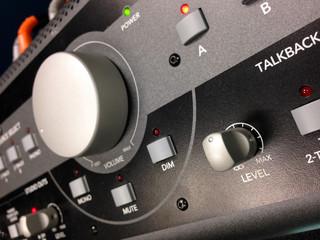Big knob control panel