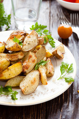 crispy baked potato wedges with skin