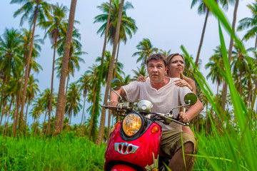 Fotomurales - romantic couple on a motorbike