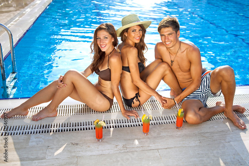 three young beauty queens are having sex in the pool  200515