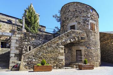 Llivia Bell. Torre Bernat de So.