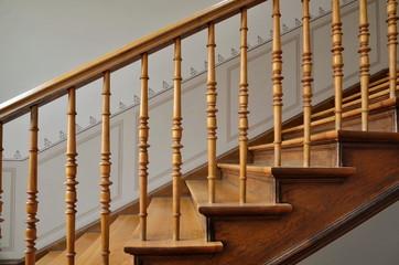 Foto op Plexiglas Trappen Holztreppe in Altbau