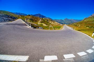 Fototapete - Turning road