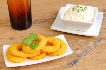Calamari rings with mayonnaise