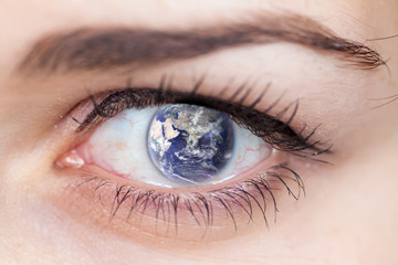 Human Eye with the Earth.