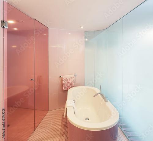 Badewanne Glastur : Badewanne mit glastür quot stockfotos und ...
