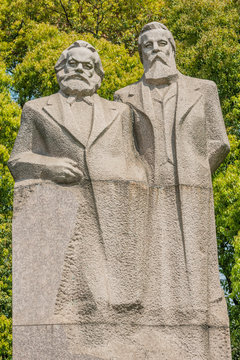 marx and engels statue in fuxing park shanghai china
