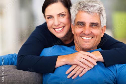 Почему мужчины любят женщин старше своего возраста