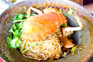 Stream big crab with vermicelli and herb