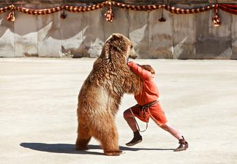 combat avec un ours